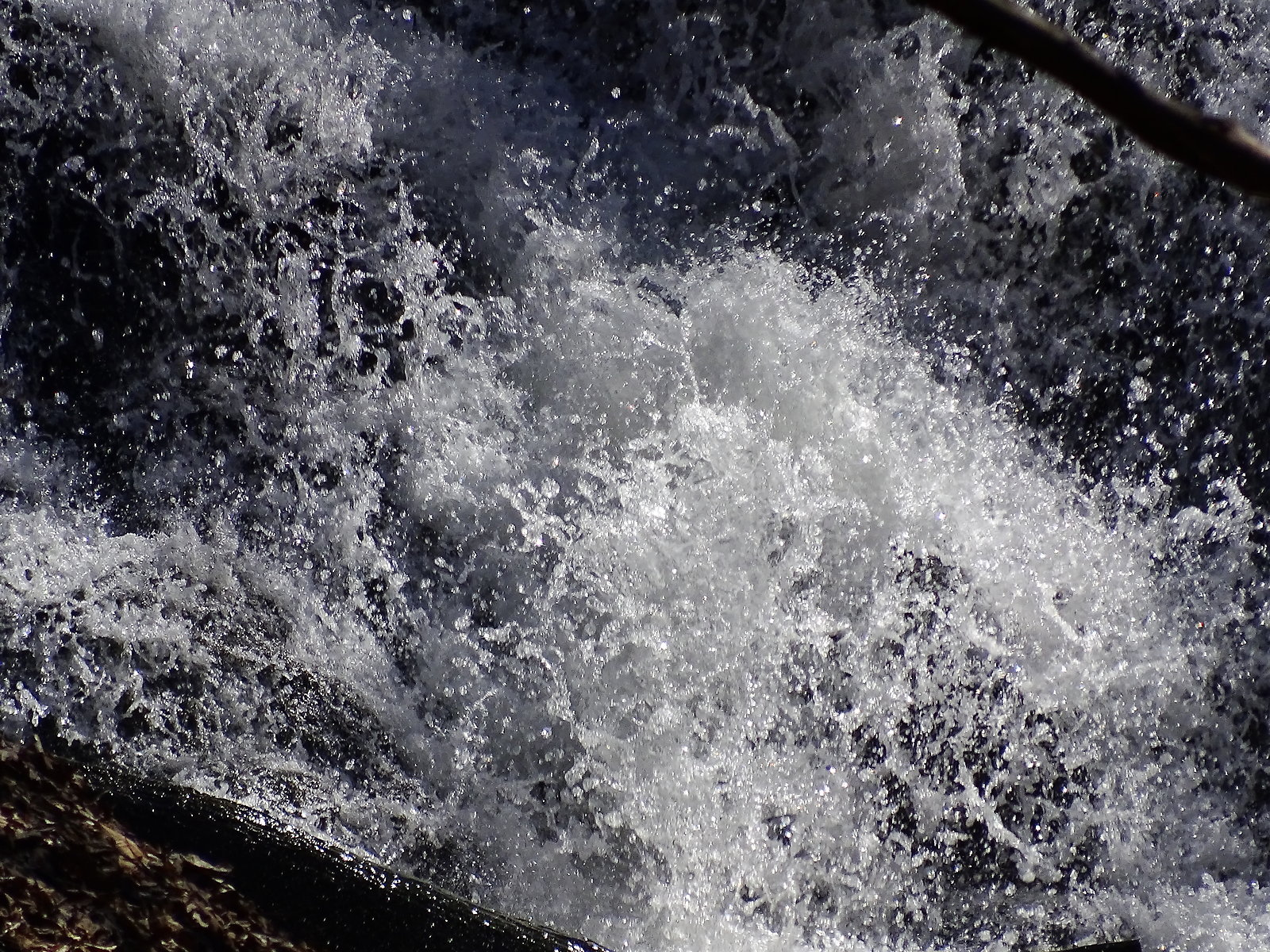 HX400V Oakwood waterfall 042.JPG