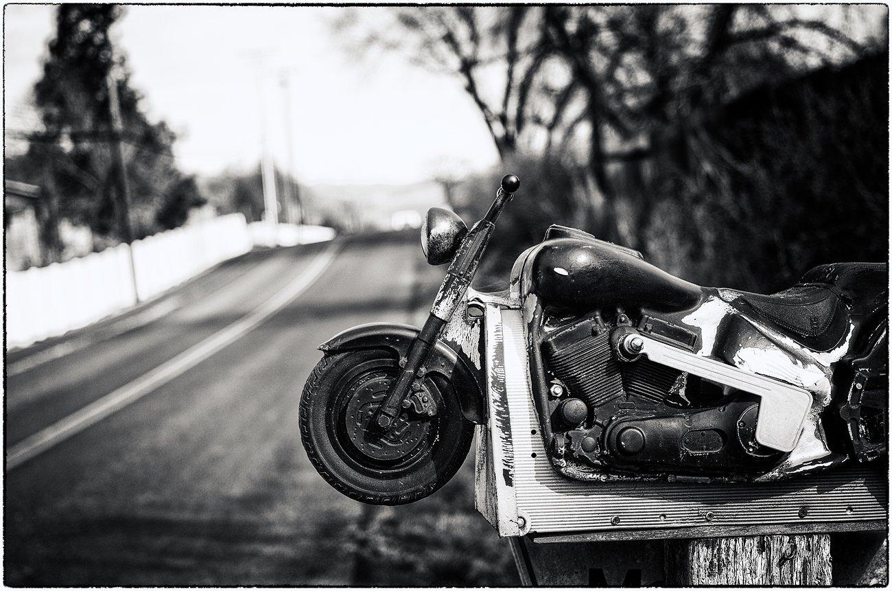 K01_Motorcycle_mailbox_SilverEfex.jpg