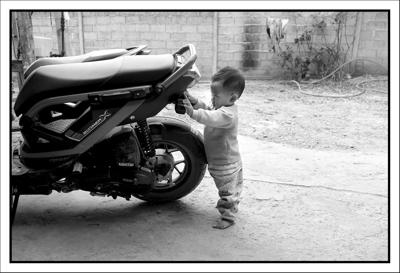 L1022086 David and bike.jpg