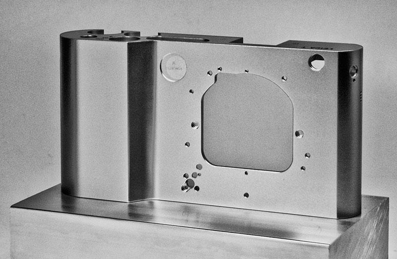 Leica-T-type-701-mirrorless-camera-5.jpg