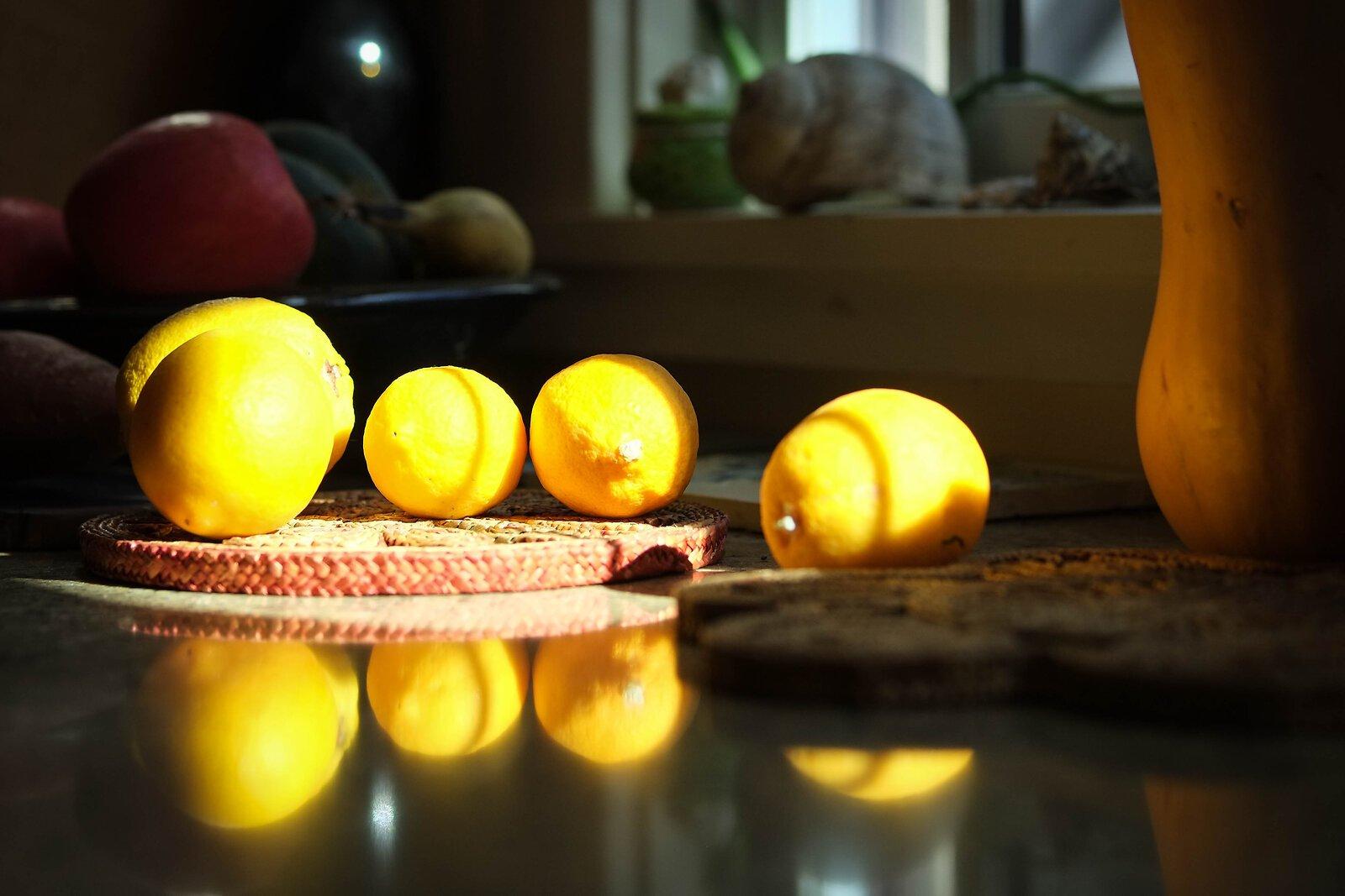 lemons_FujXE1_50mm_Apr21.jpg