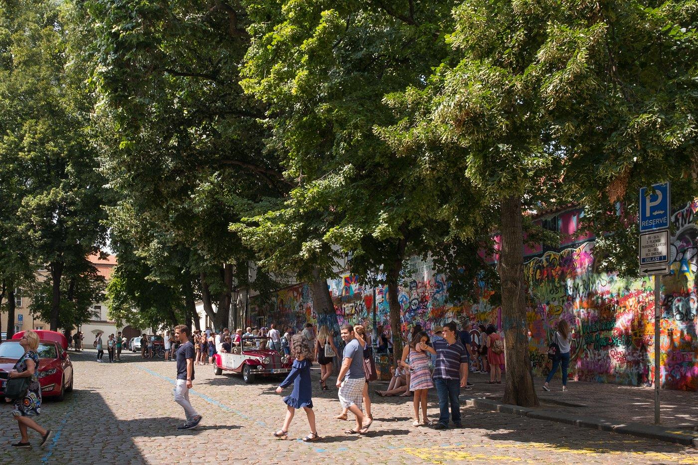 Lennon Wall 4.jpg