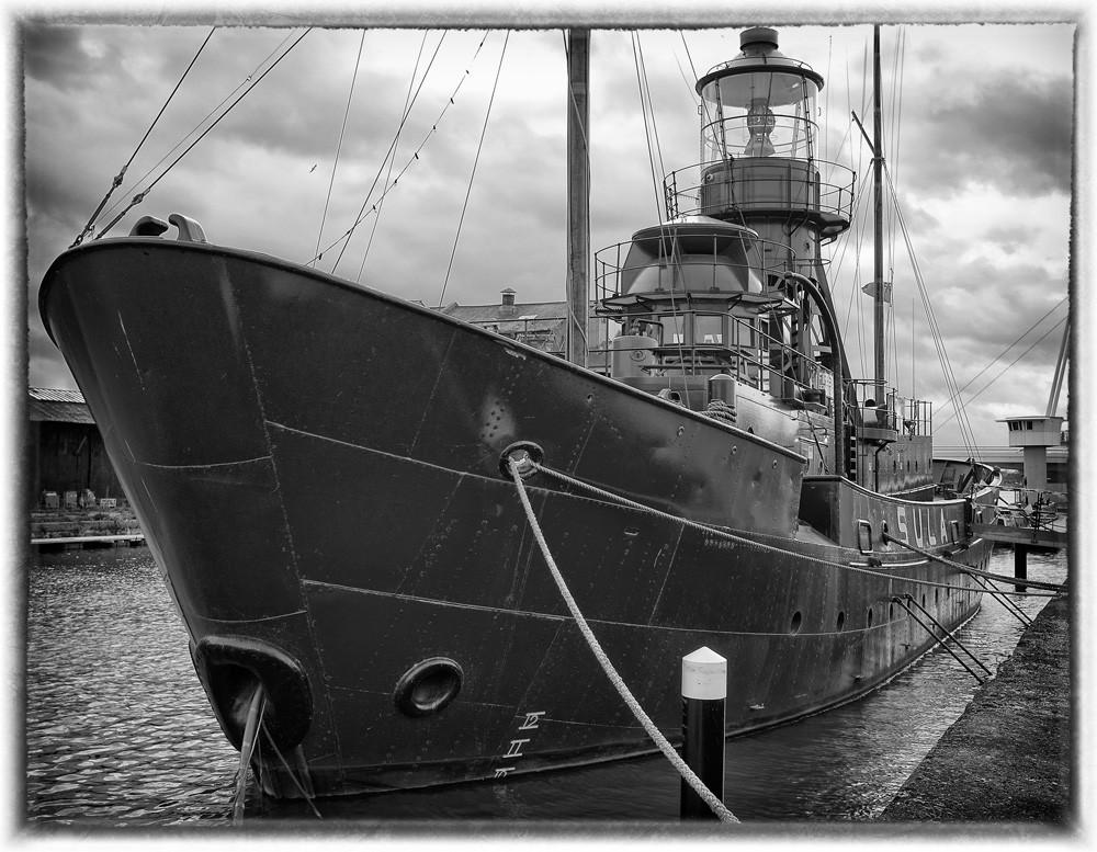 Lighthouse_ship_SFX.jpg