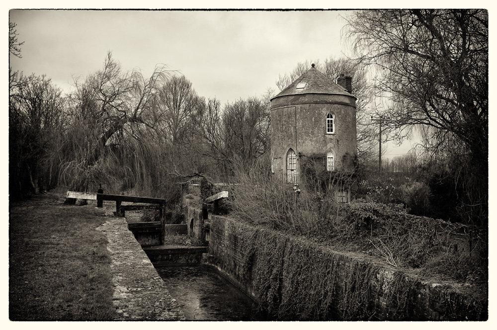 Lock_keepers_cottage.jpg