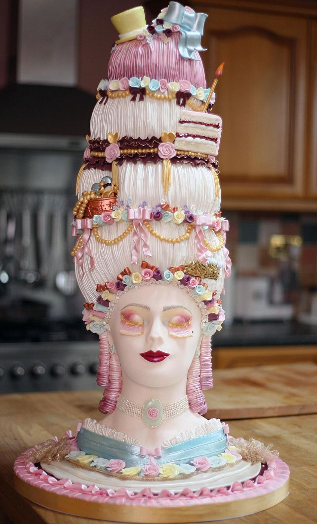 Marie_Antoinette_Cake.jpg