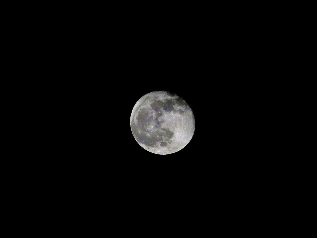 Moon_006-002_Medium_.JPG