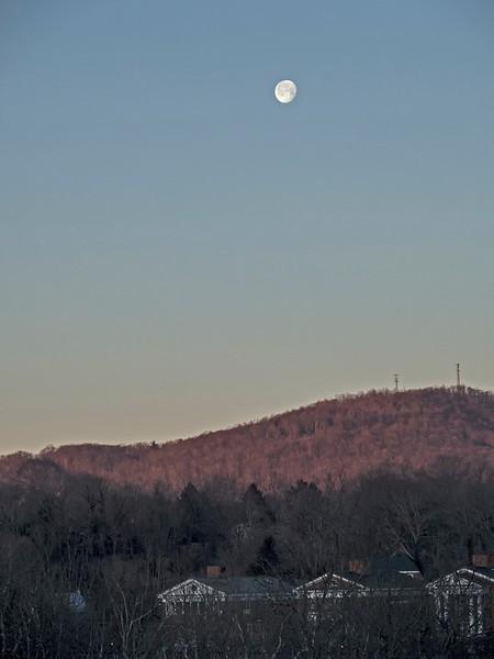 moonset-L.jpg