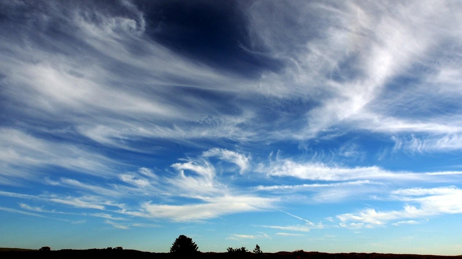 OMD high wispy clouds 004-001.JPG