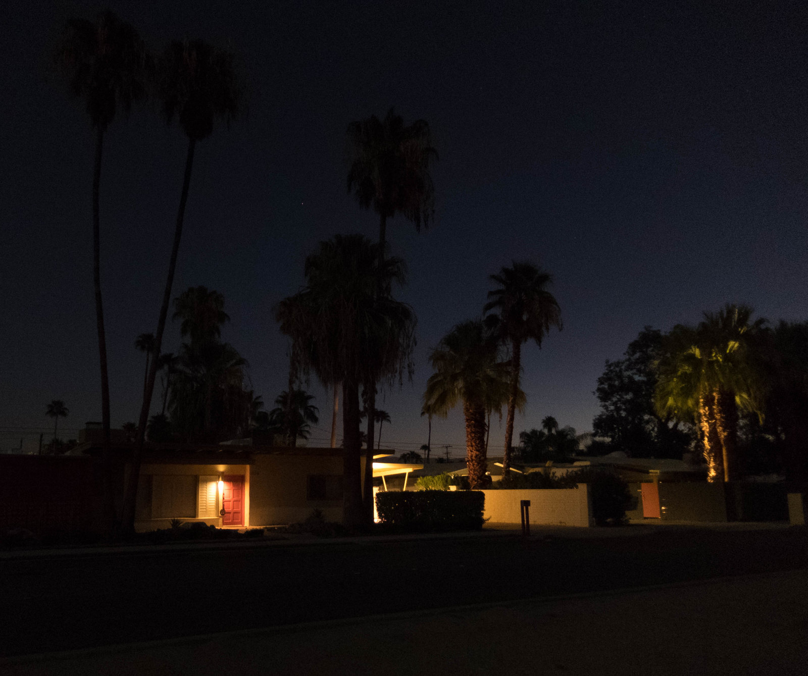 Palm_springs_night.jpg