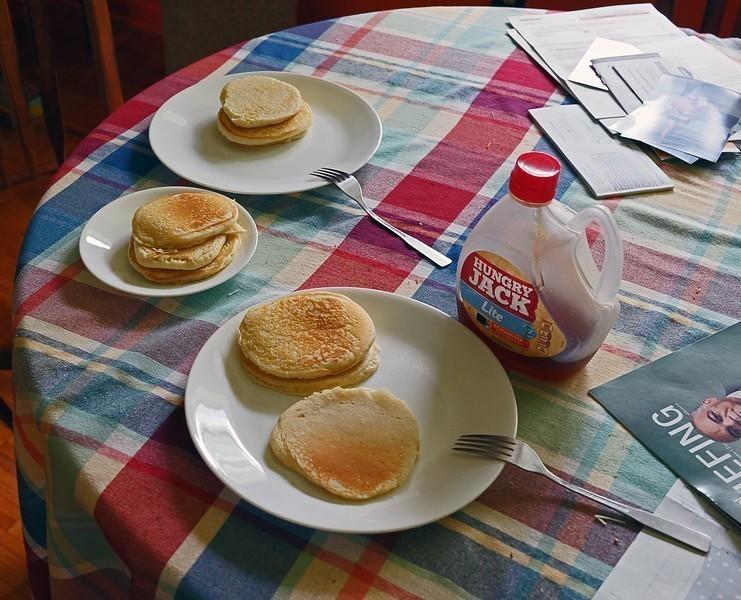 pancakes-L.jpg