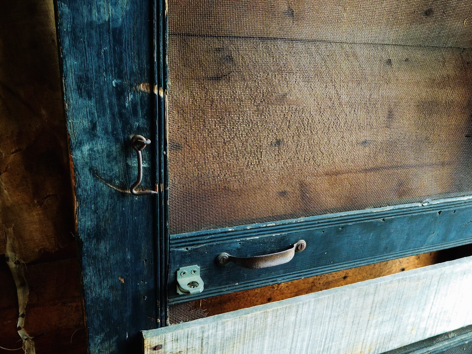 PenF_Jan12_21_Cabin_door_handle.jpg
