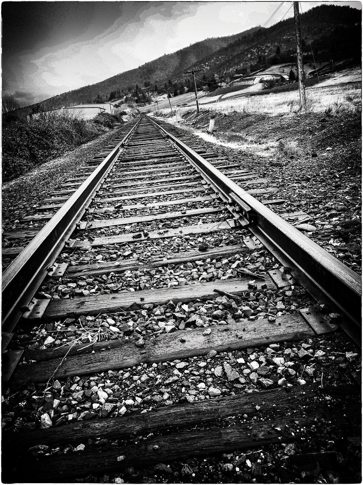 PenF_Jan6_21_train_tracks.jpg