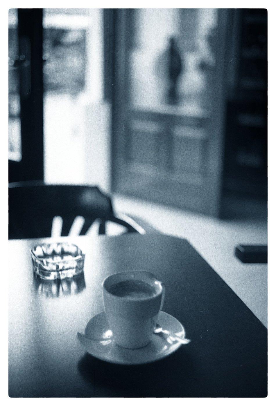 PICTOGRAMAX - 2010 - OLYMPUS 35SP + ILFORDHP5 400 - SOFT DRINK.jpg