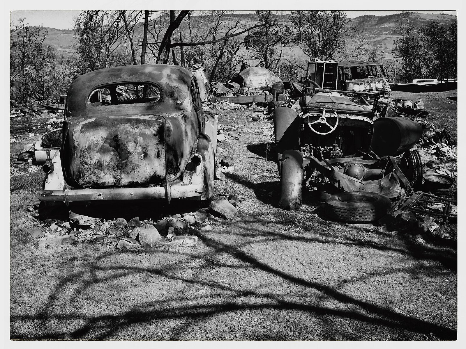 Q7_Mar2_21_two_burned_cars(01).jpg