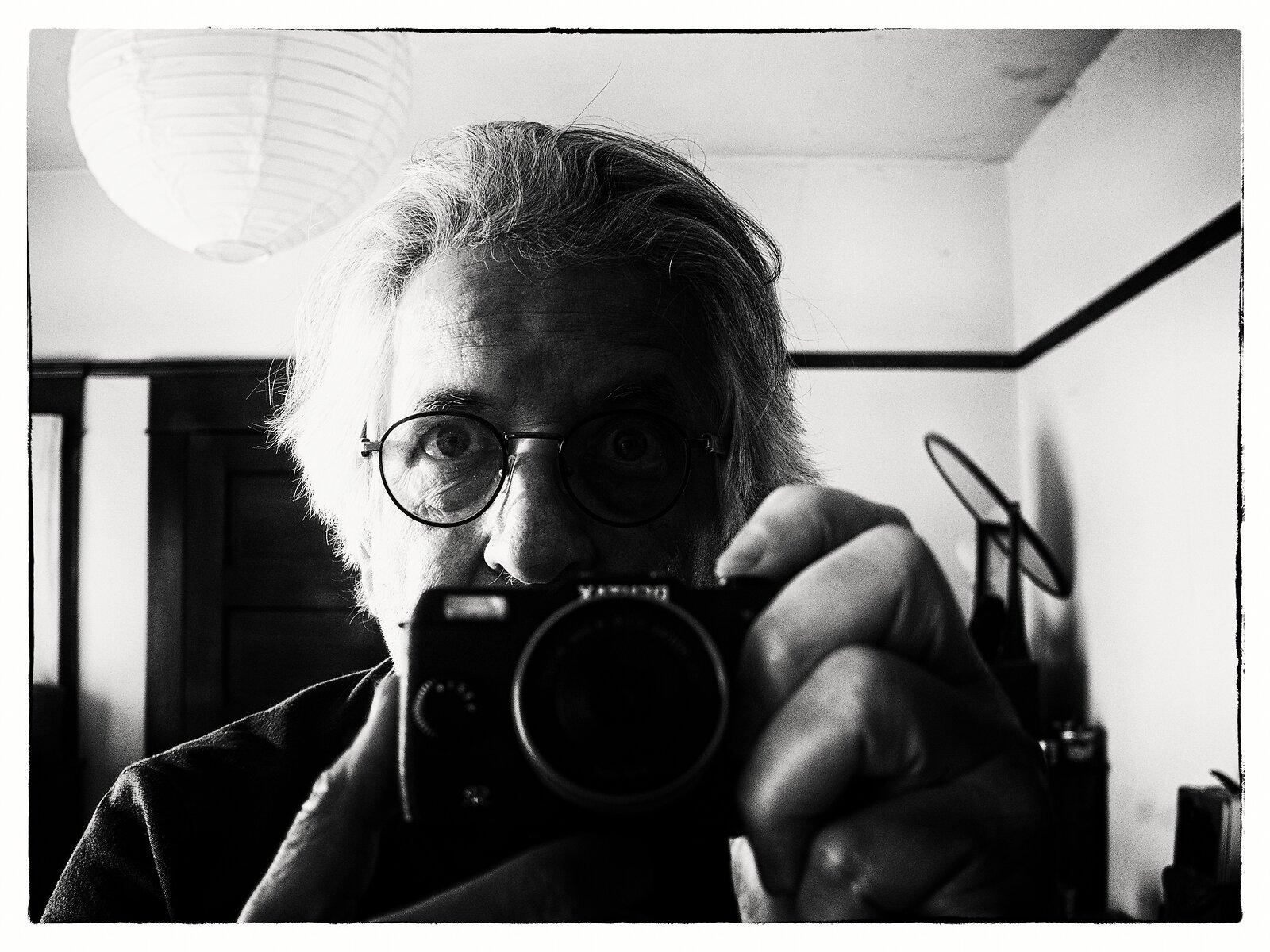 Q7_Mar4_21_autorretrato_film_noir.jpg