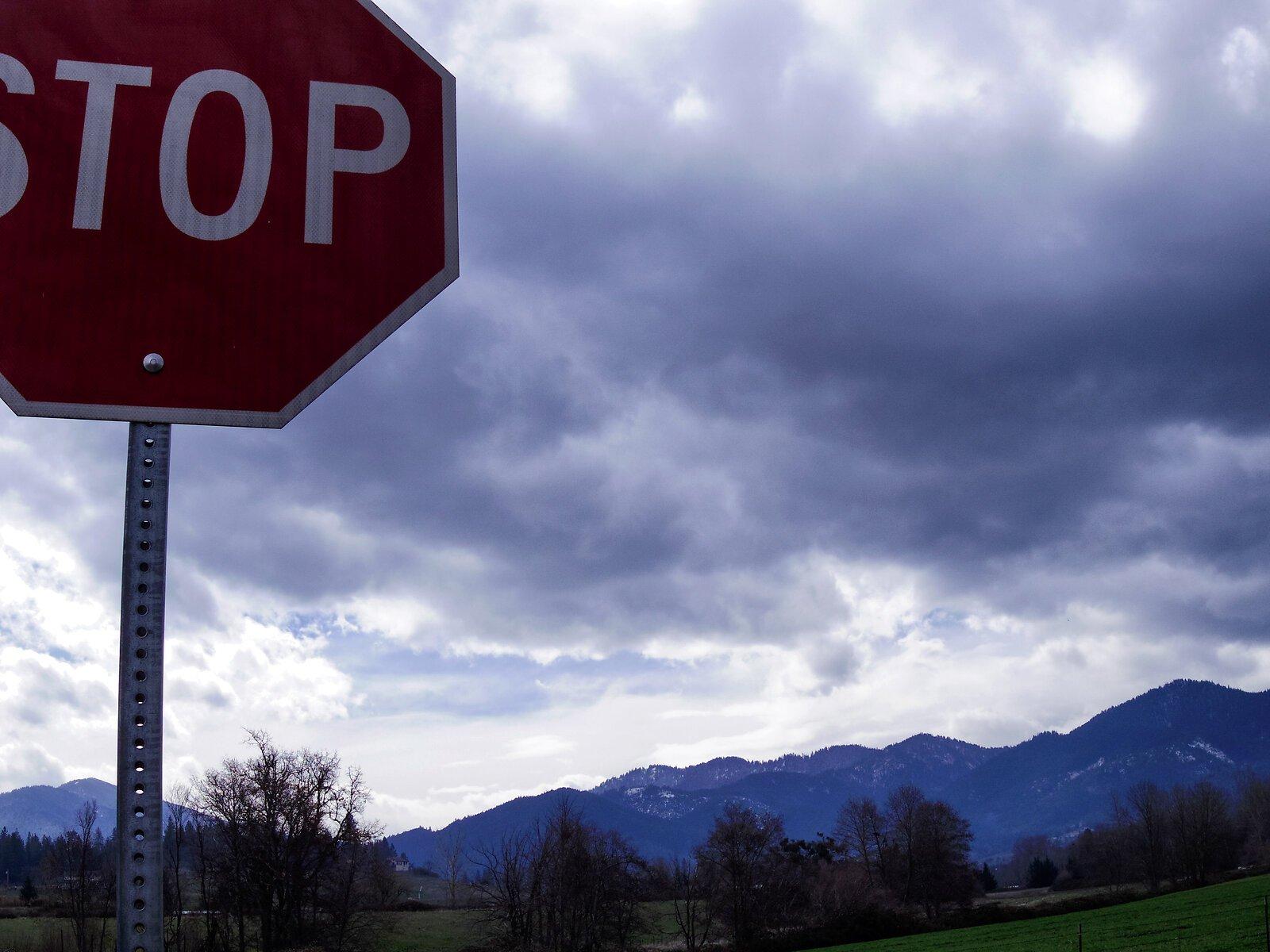 Q7_Mar8_21_STOP+cloudy_Siskiyous.jpg