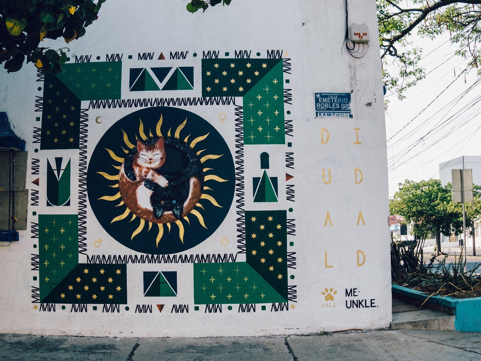 Q7_May30_21_Cat_mural_Guadalajara.jpg