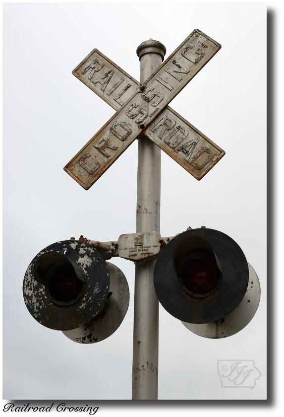 Railroad%20Crossing_1188%20post.jpg