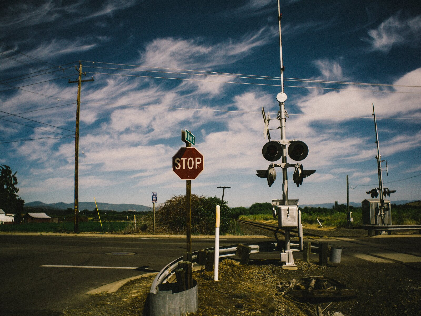 RailRoadSTOP-EKPortraXT1v4.jpg