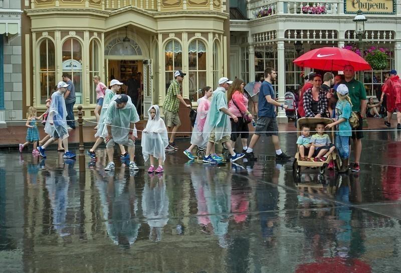 rainyparade-L.jpg