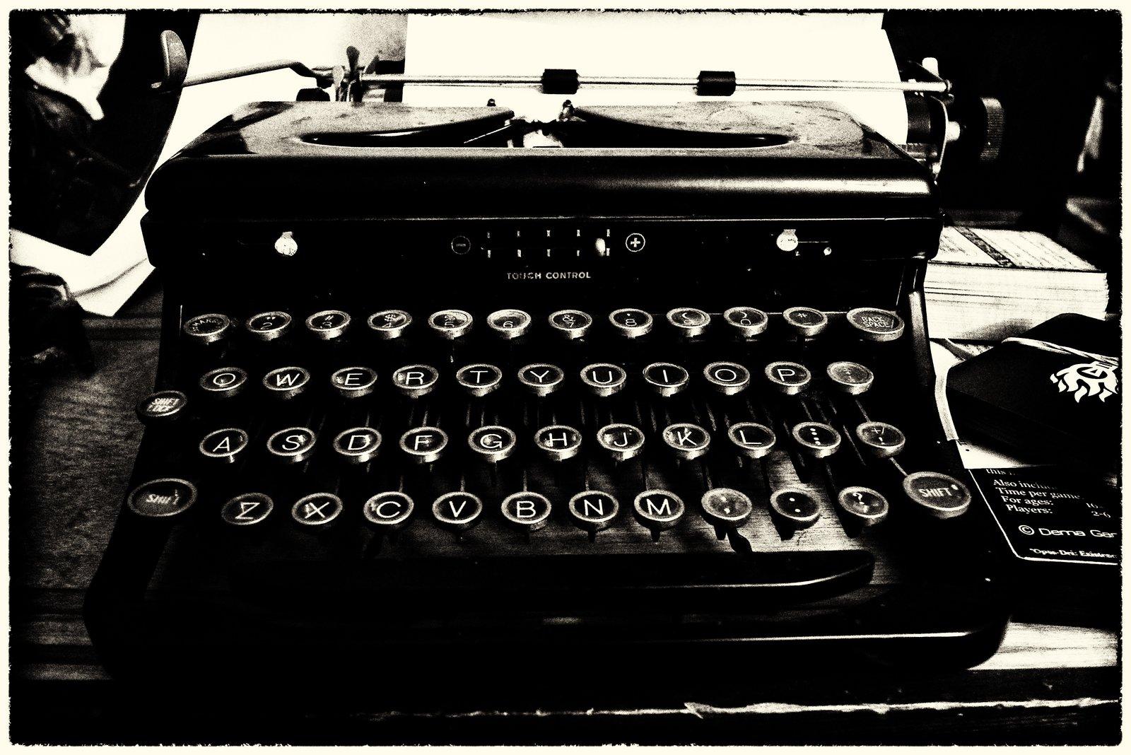 RoyalTypewriter-SilverEfexPro2Sepia.jpg
