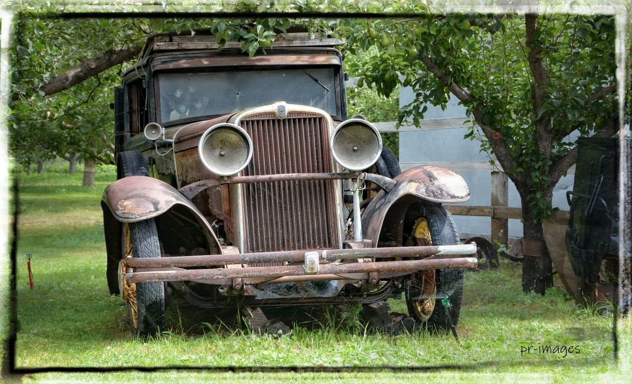 rusty car (1).JPG