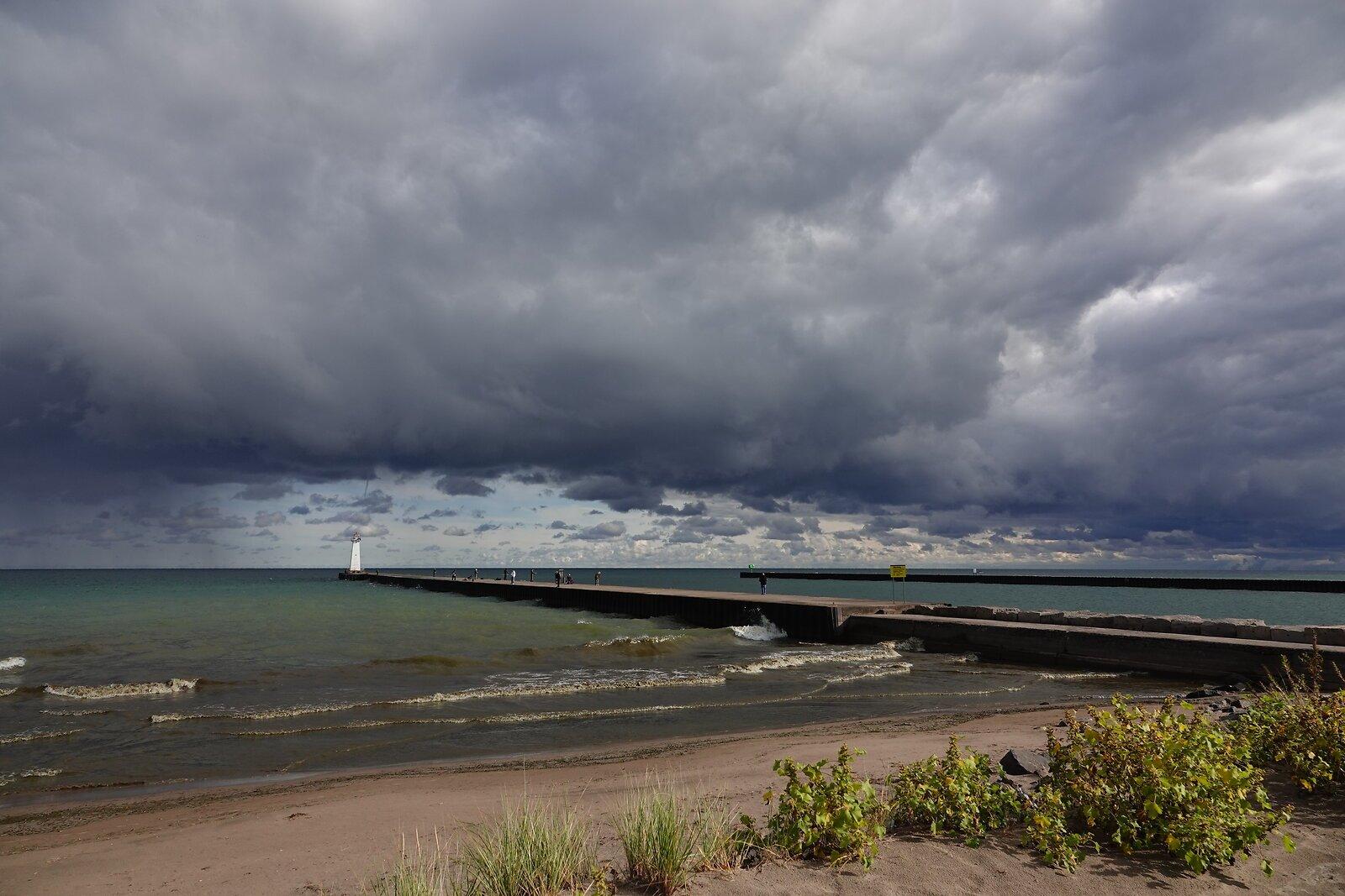 RX10 Lake Ontario Chimney Bluffs 025.JPG