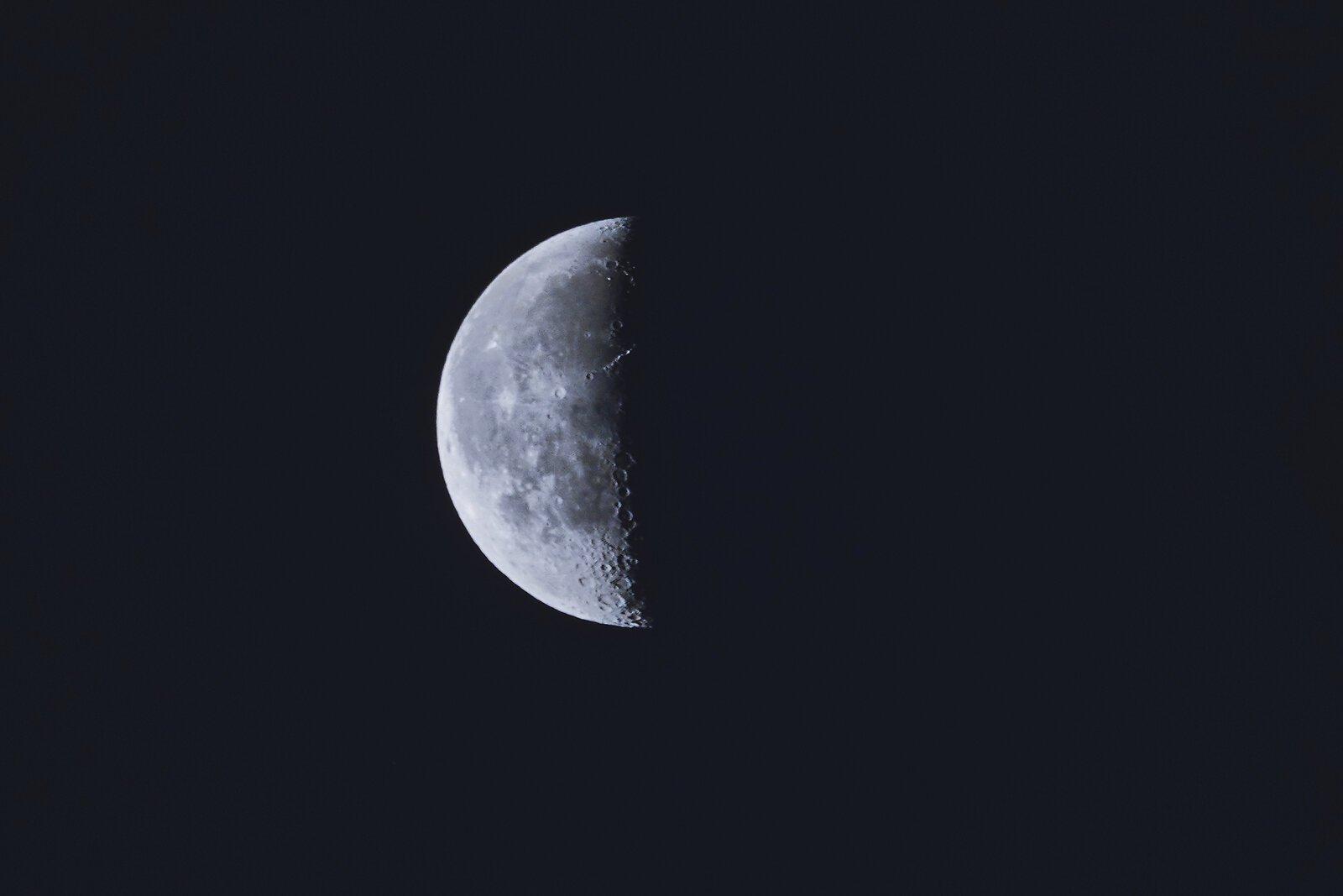 RX10 Moon 003 B.jpg