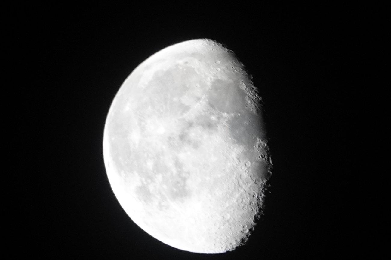 RX10 silvery moon 003.JPG