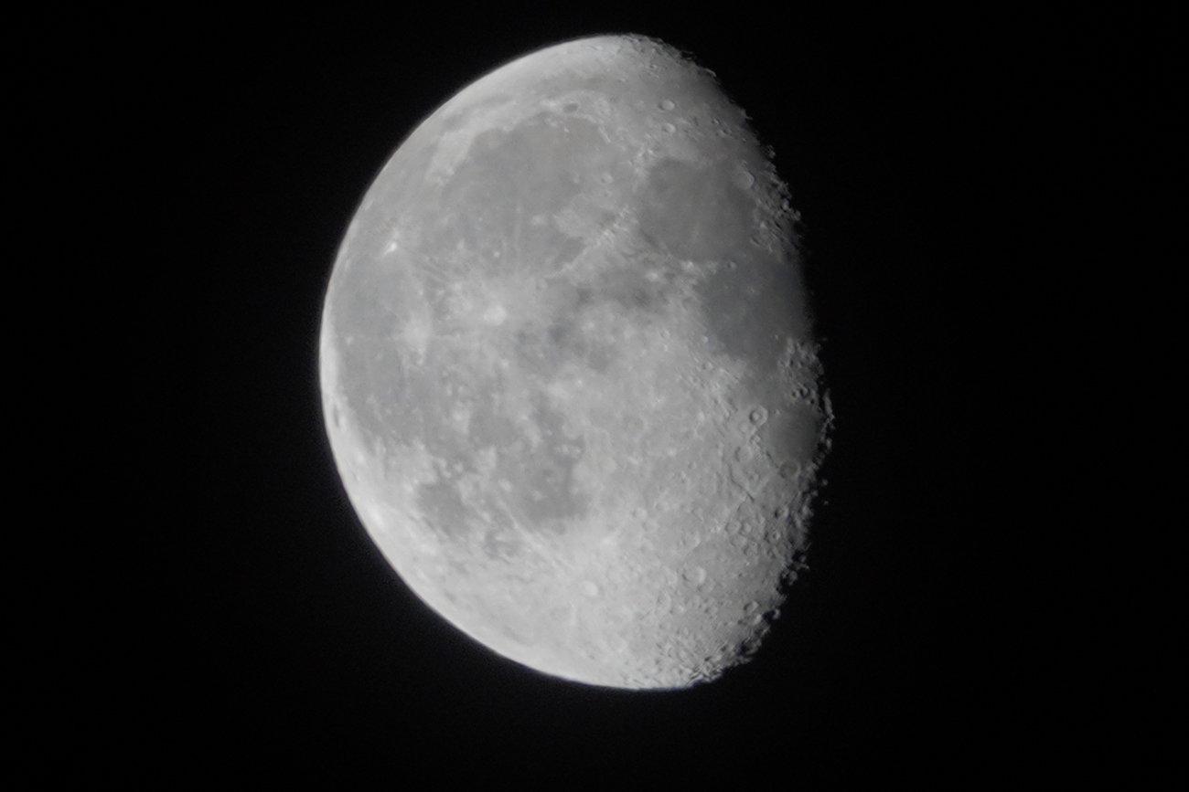 RX10 silvery moon 006.JPG