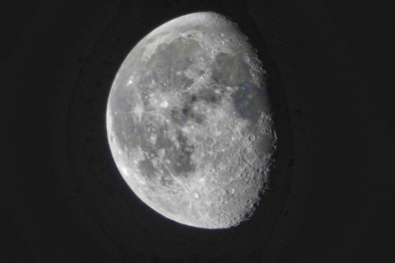 RX10 silvery moon  006B1.jpg