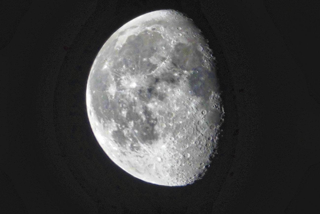 RX10 silvery moon  006B1_DxO.jpg