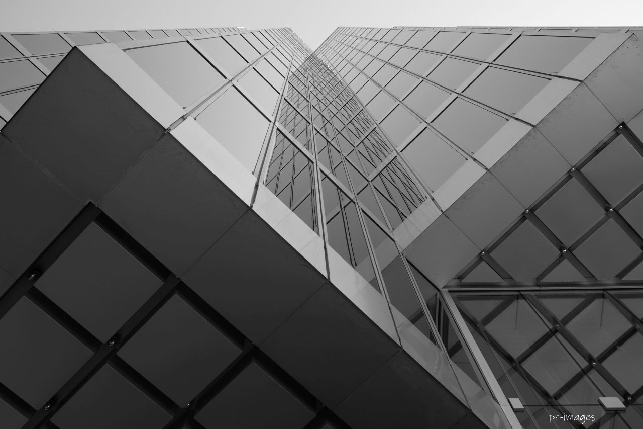 Skyscraper BW 21 05.JPG
