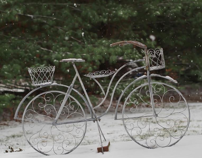 snowbike-L.jpg