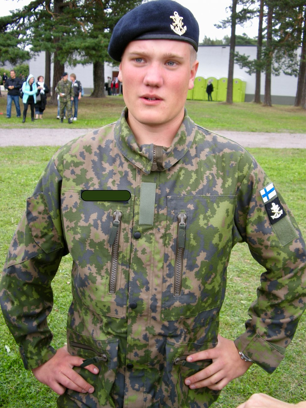 Sotilasvala Mikael Upinniemi 2010-08-27 12.19.39 COOLPIX S700 f2.8 1_64s ISO0.jpeg