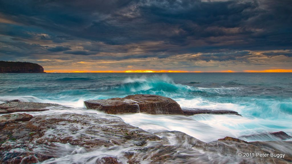 Storm_Clouds_at_North_Narrabeen.jpg
