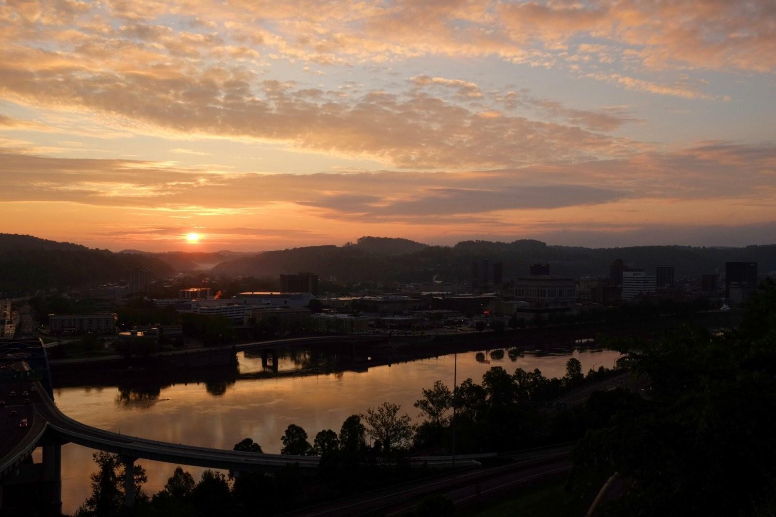 Sunrise2_05-06-16.jpg