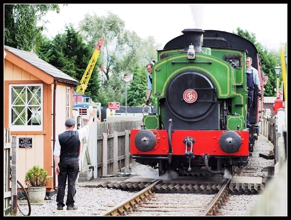 The_train_arrives_2.jpg