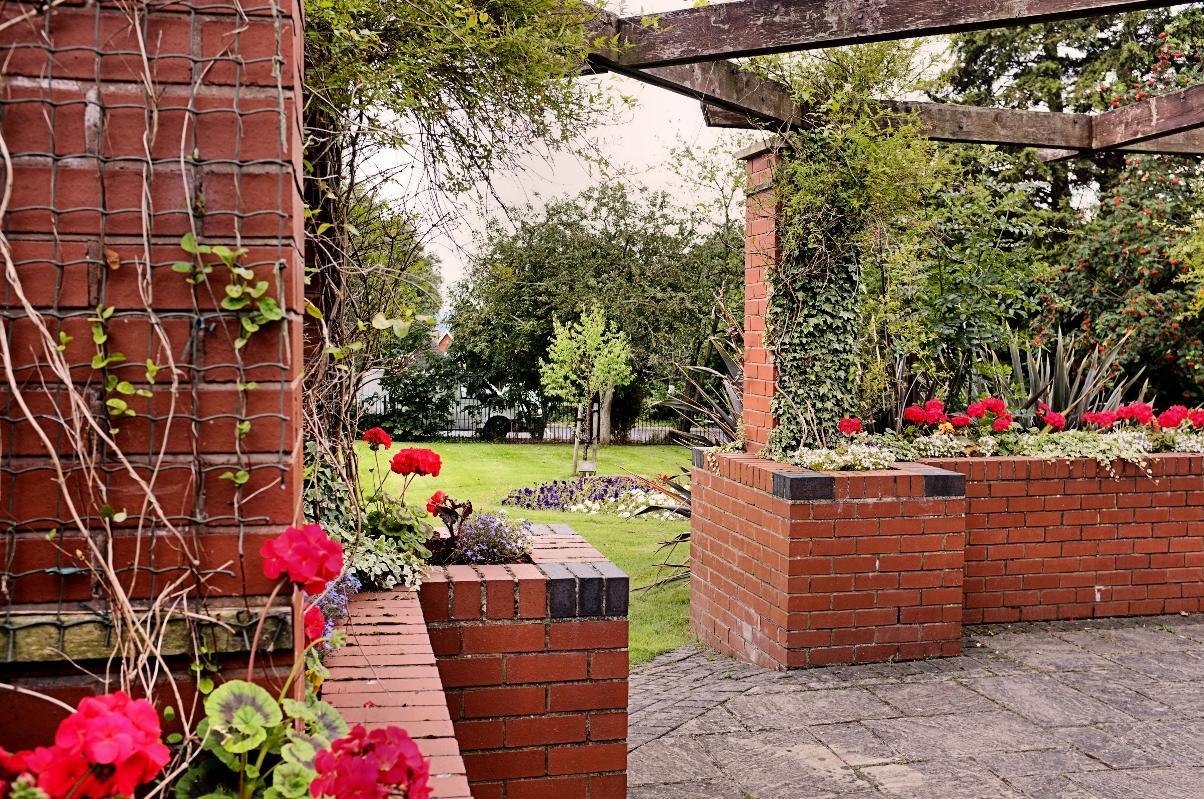 Town_Library_Garden.jpg