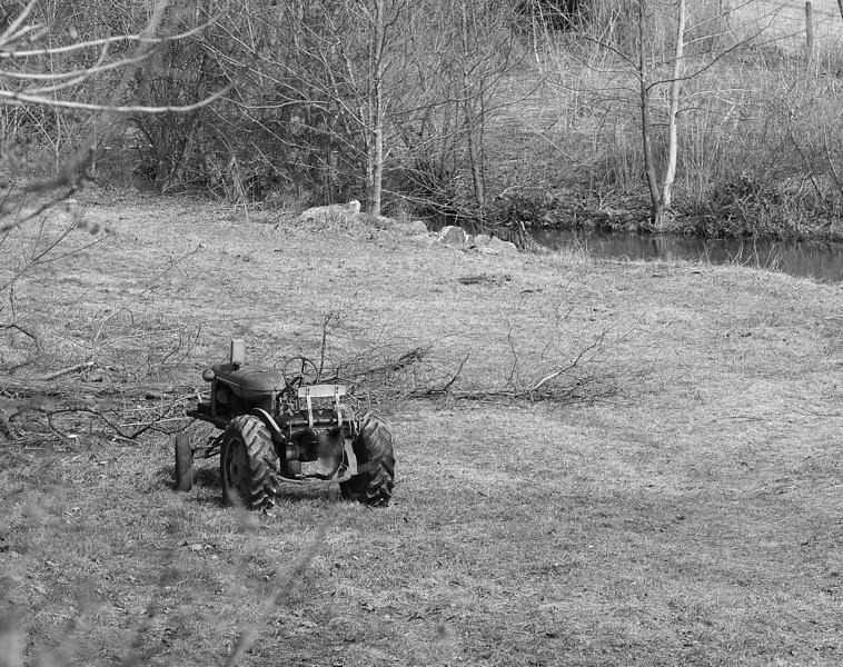 tractor-L.jpg