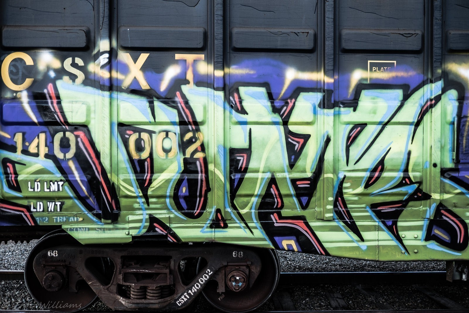 train graffiti-1-2.jpg