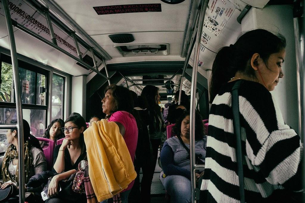 Vagon_de_Mujeres_Metrobus.jpg