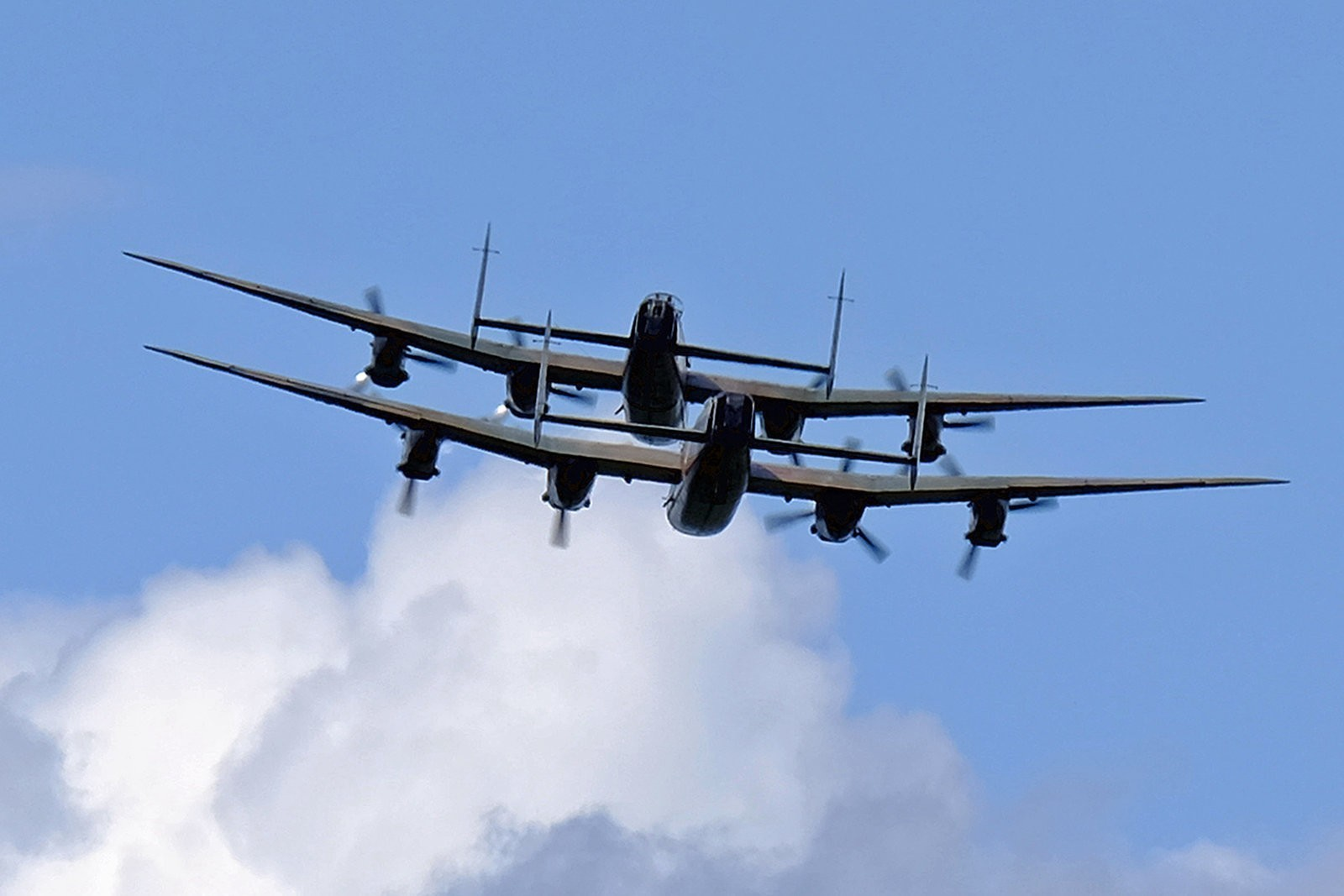 Wings and Wheels Dunsfold August 2014 X-T1 Lancasters 5 100% crop.jpg