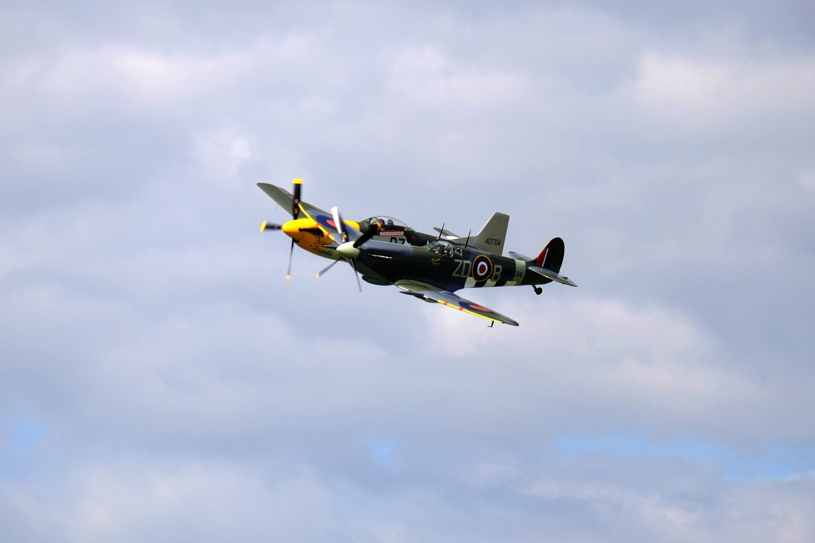 Wings and Wheels Dunsfold August 2014 X-T1 Spitfire Mk IXB Mustang P51D 6.jpg
