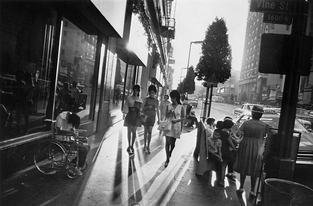 winogrand_la_sidewalk.jpg