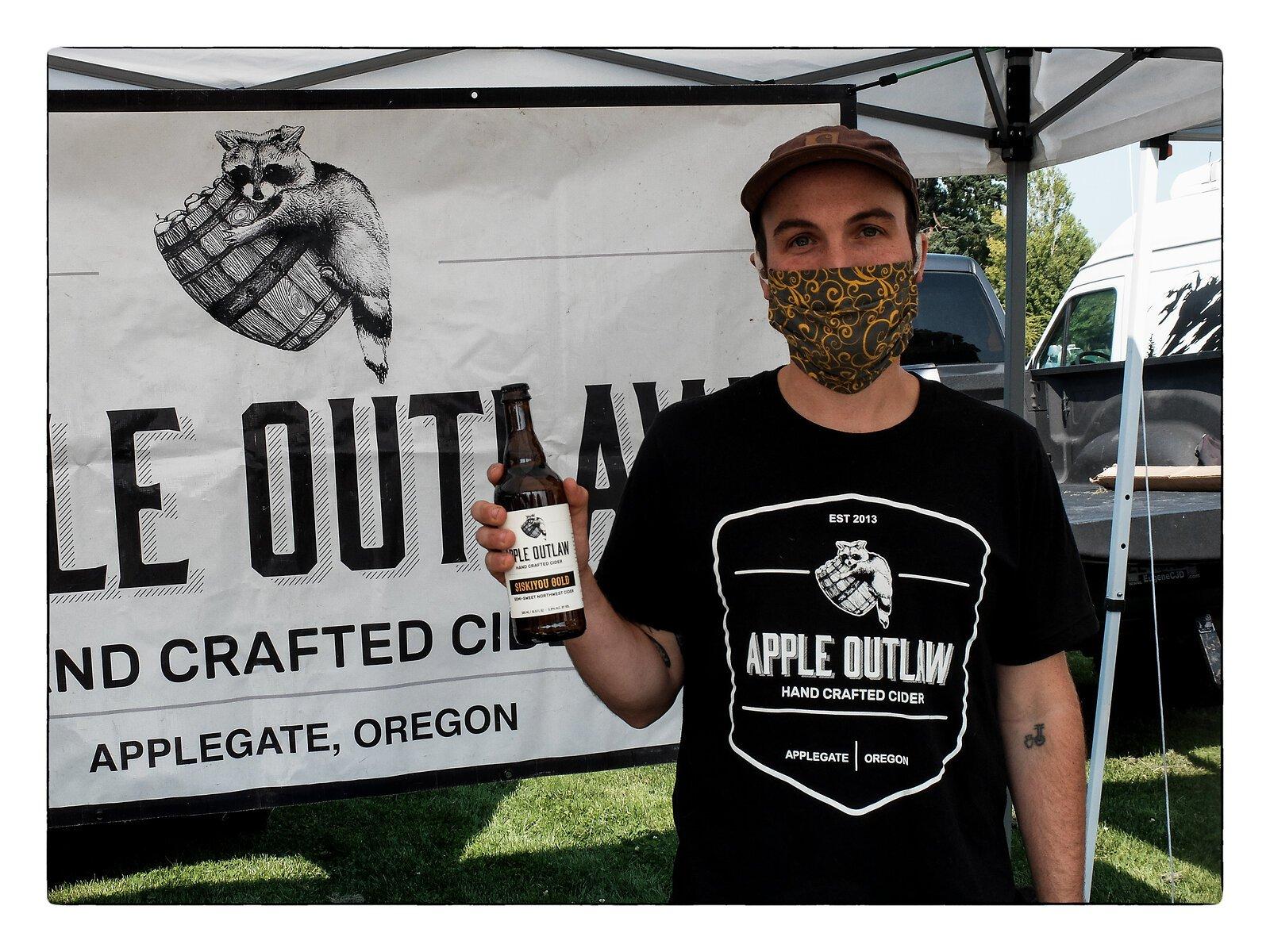 X30_Aug27_Apple_Outlaw#1.jpg