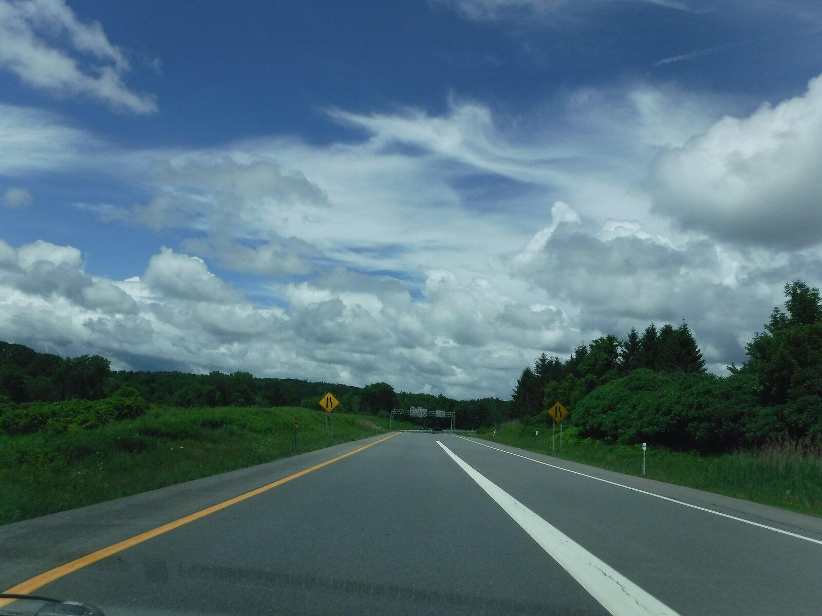 XP90 clouds 004.JPG