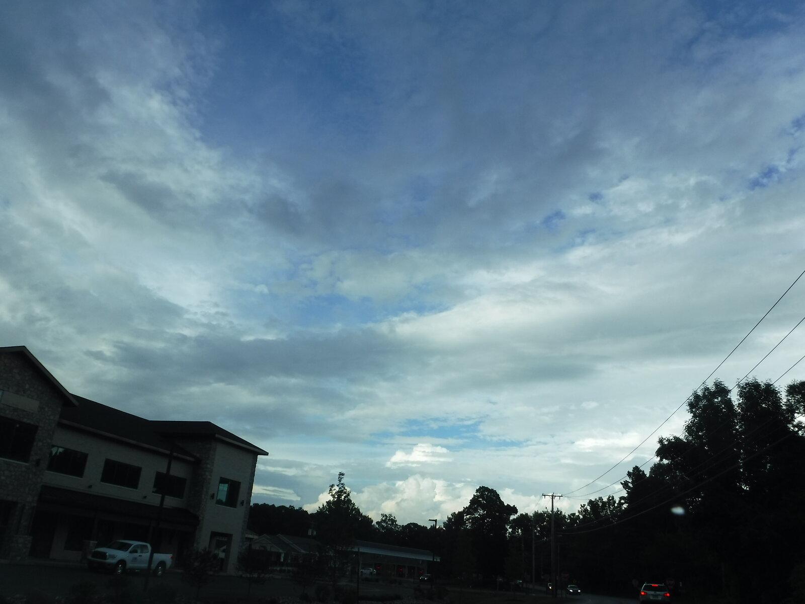 XP90 clouds 019.JPG