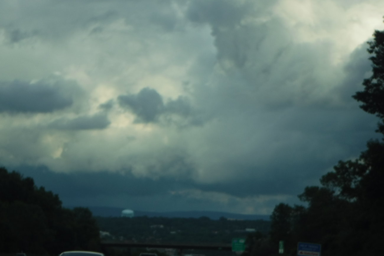 XP90 storm clouds over Troy 007.JPG