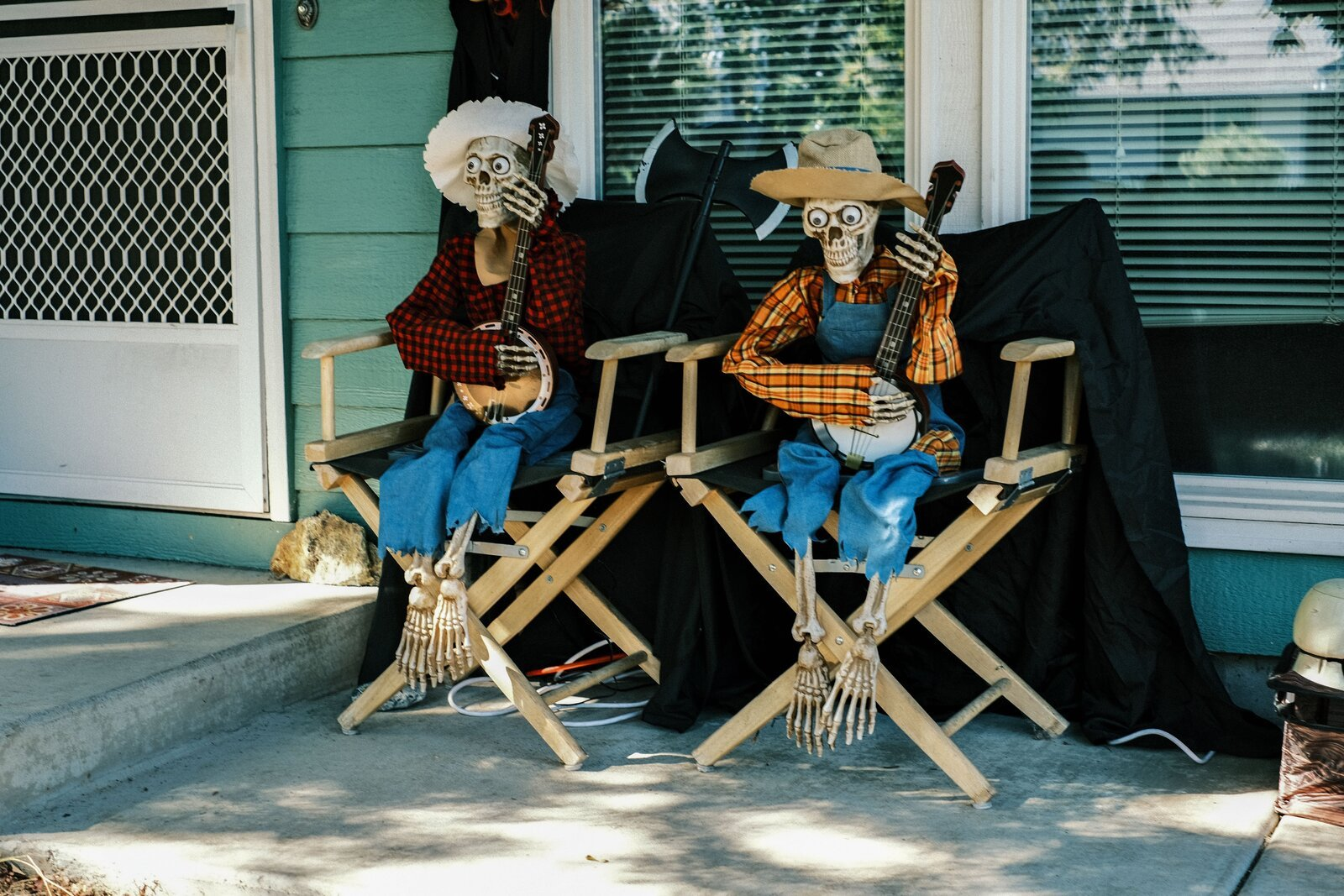 XPro3_Oct12_21_skeleton_musicians#4.jpg